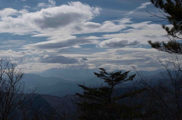 三頭山から富士山.jpg